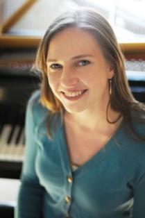 Crystal Rivette, Pianist