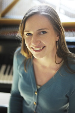 Crystal Rivette, Pianist